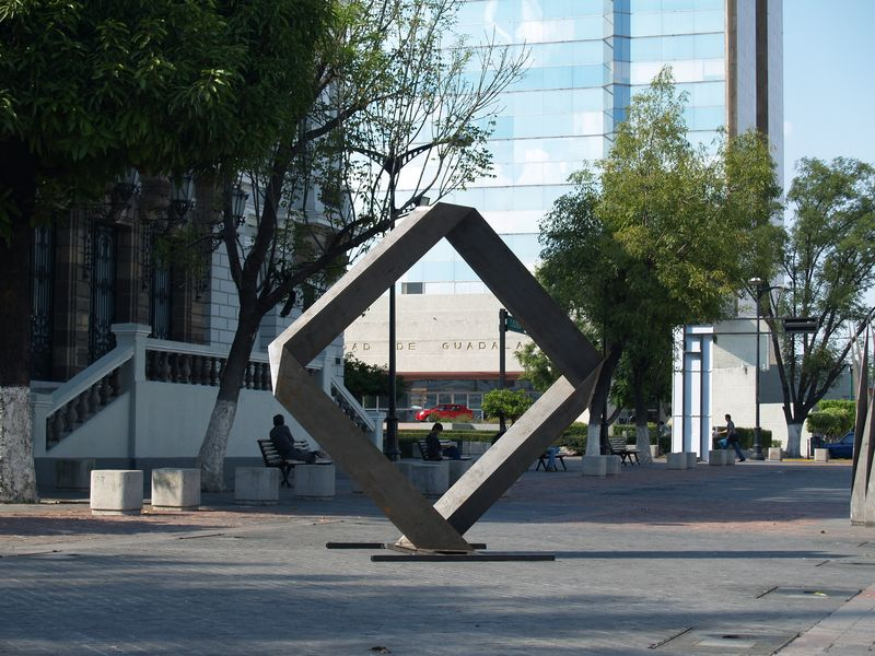 <b><i>Untitled</i></b>, 2006, coated steel, 330x50x330 cm, 'Museo de las Artes' Guadalajara (Mexico)